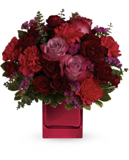 39 best valentine 39 s day images on pinterest floral for Flower arrangements with roses