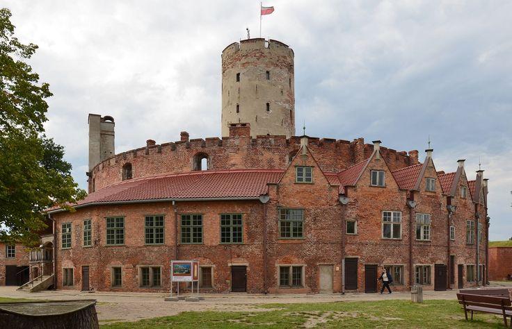 Gdańsk, Twierdza Wisłoujście, latarnia i domy oficerów.jpg