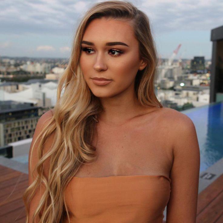 Summer tan makeup