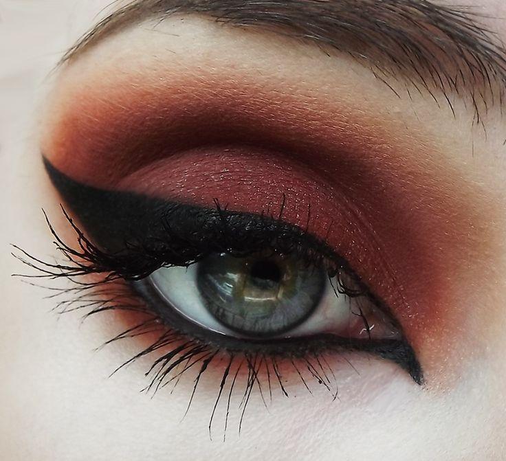 Murder Eyeshadow   My Pretty Zombie Cosmetics