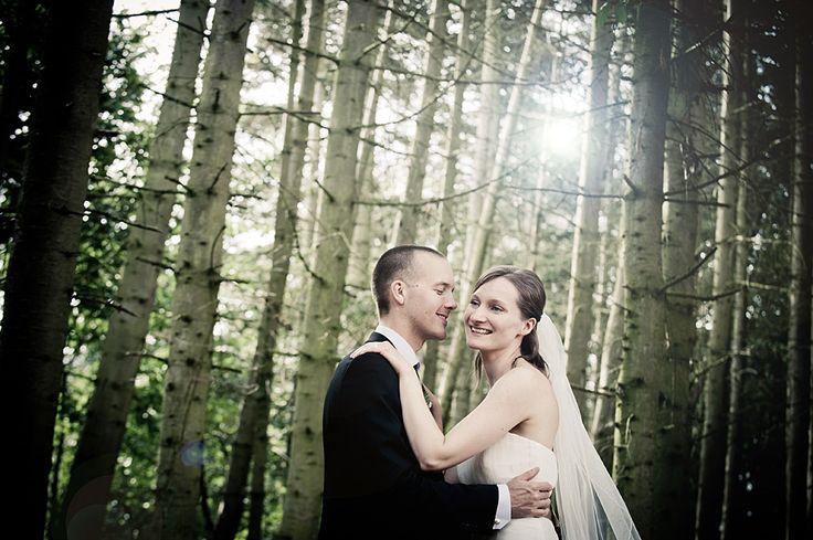 Landsdækkende bryllupsfotografi  http://www.voresstoreja.dk/landsdaekkende-bryllupsfotografering/