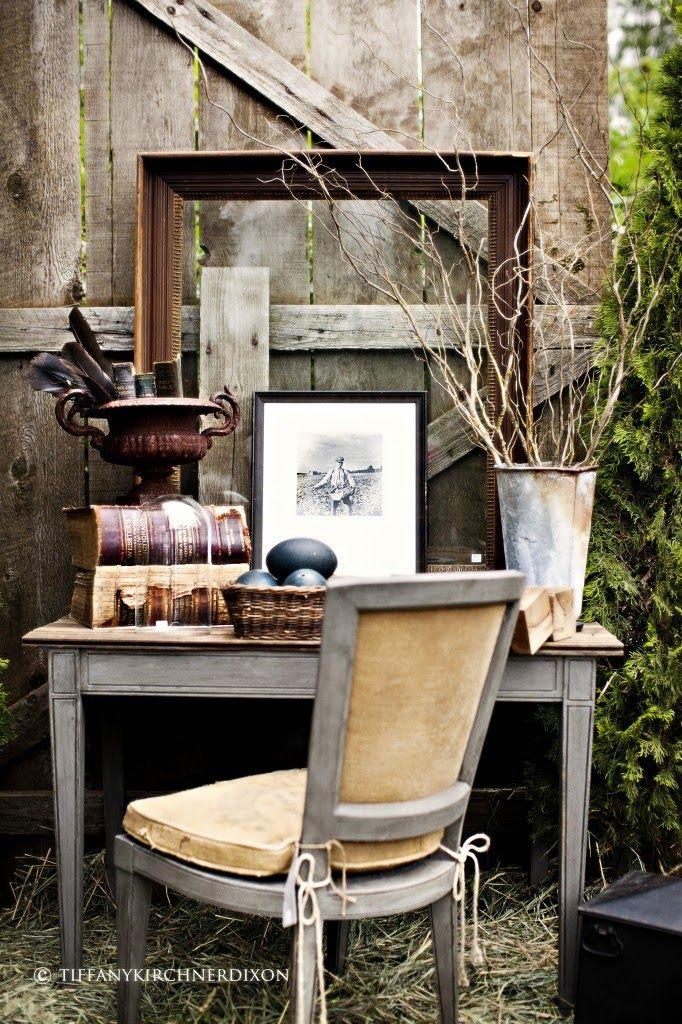 Vintage Farm house Chic: Vignettes, Outdoor Offices, Rustic Decor, Desks, Fleas Marketing, Vintage Interiors, Outdoor Spaces, Barns House, Vintage Decor