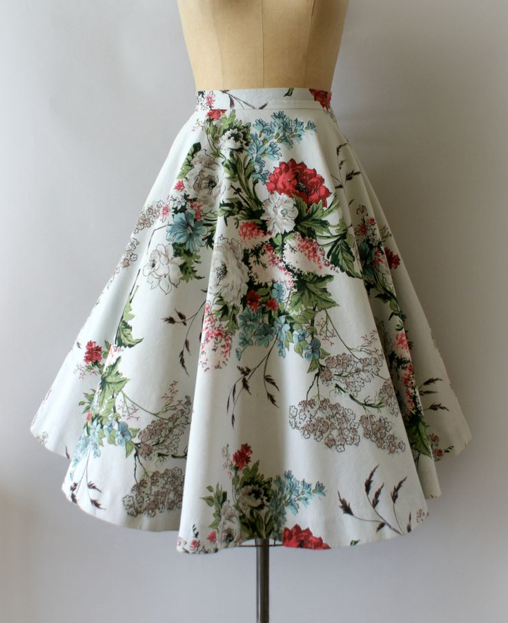 1950s Vintage Circle Skirt from Sweetbeefinds