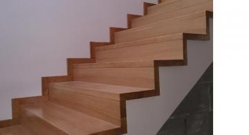 Schody drewniane samonośne i na beton