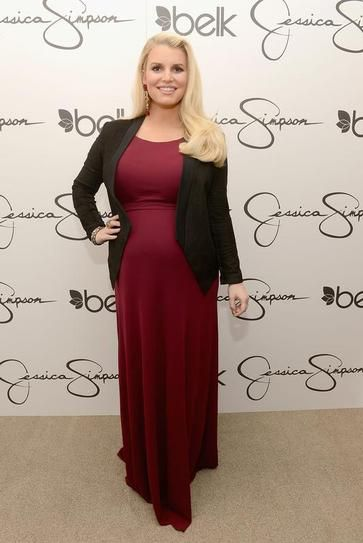 Designer Jessica Simpson Height: Simpson's height has been reported as both 5'2 and 5'3  Short Celebrities: 30 Stars That are 5'3 and Under | StyleCaster
