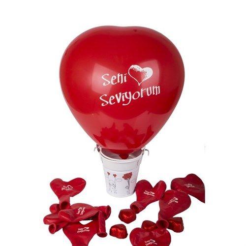 Aşk Dolu Balonlu Kova ₺39.90 yerine sadece  ₺19.90 Üzerinde sevimli çöp atam etiketleri olan metal kovada tam 10 adet kalp balon ve leziz mi leziz 4 adet kalp çikolata, işte karşınızda Aşk Dolu Balonlu Kova. Sevdiklerinize sürprizlerle dolu bir hediye alternatifi karşınızda. #SevgililerGünü #Hediye