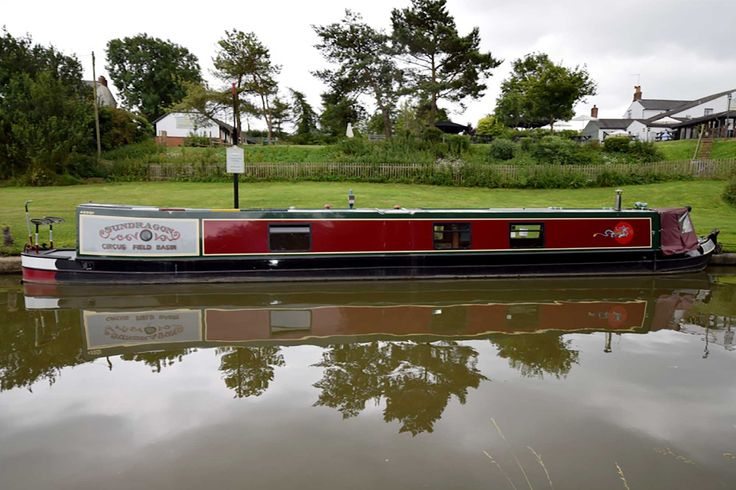 Sundragon - Traditional style 58' narrowboat - Rugby Boats