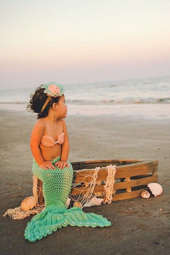 Great flower girl outfit idea - beach wedding