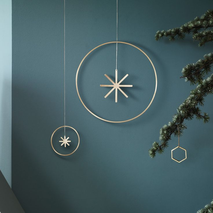 Ferm Living Winterland brass Star Large | YLiving Modern Holiday Decor