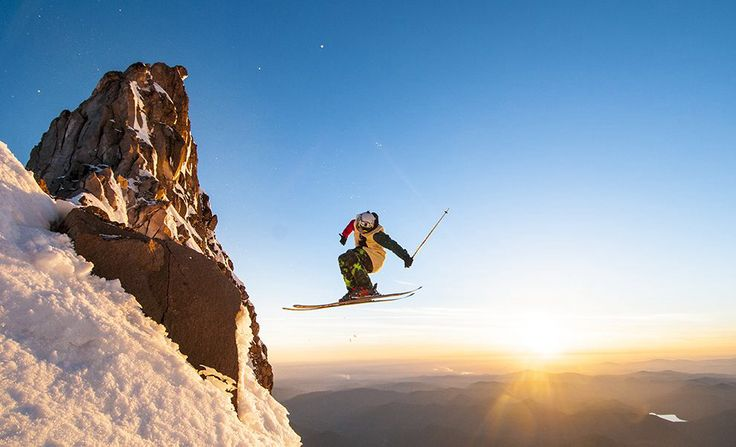 Mount Hood, Oregon USA #love #alpineskiing #mountainspots #mountainsports #mount #hood #oregon #usa #travel #travelgram #travelling #xtremespots #xtremespotsgram