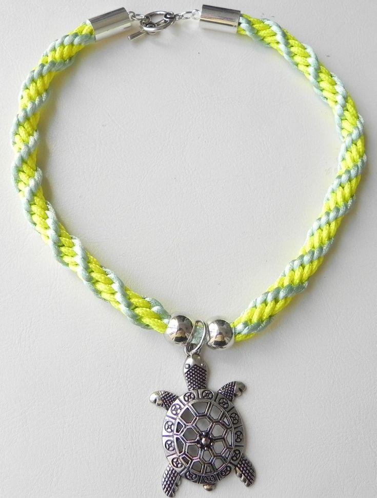 cordon, cordon tejido, amarillo y verde, collar, collar con tortuga, collar para mujer, collar para jovenes de PekitasCreations en Etsy