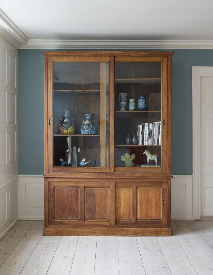 Book Cabinet - theapartment.dk