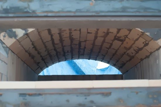 Building a wood fired bread oven - Completing the main dome