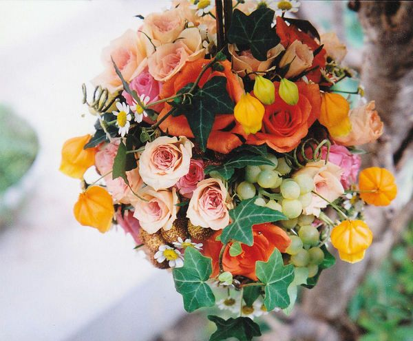 Delightful Wedding Bouquet made by Kent Florist Mikiko Inoue