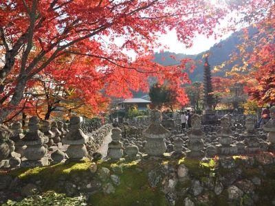 嵯峨野の化野念仏寺も、かつての風葬地の一つ