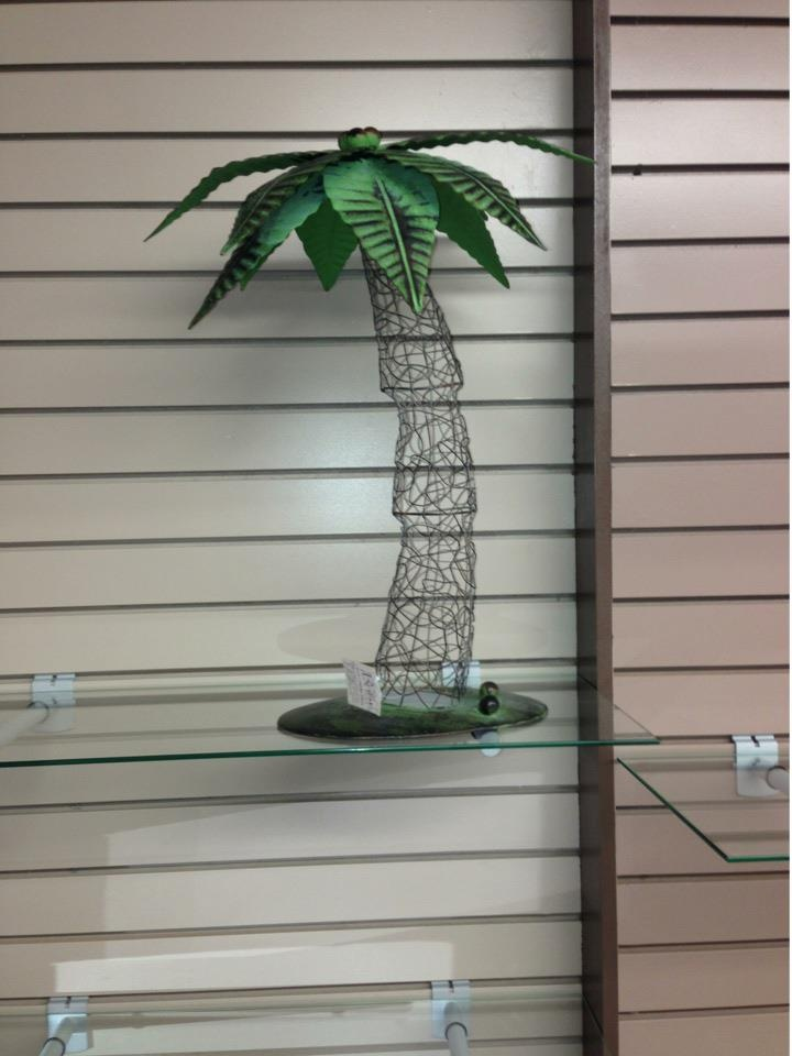 Neat metal decorative palm tree for home home stuff for Palm tree decorations for the home