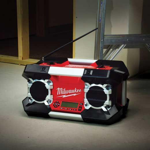 LOT MIS EN JEU LES 4, 11 ET 15 DECEMBRE - #radio de #chantier #Milwaukee d'une valeur moyenne de 185 € Debonix.fr. Nos radios de radio http://owl.li/rjGxO