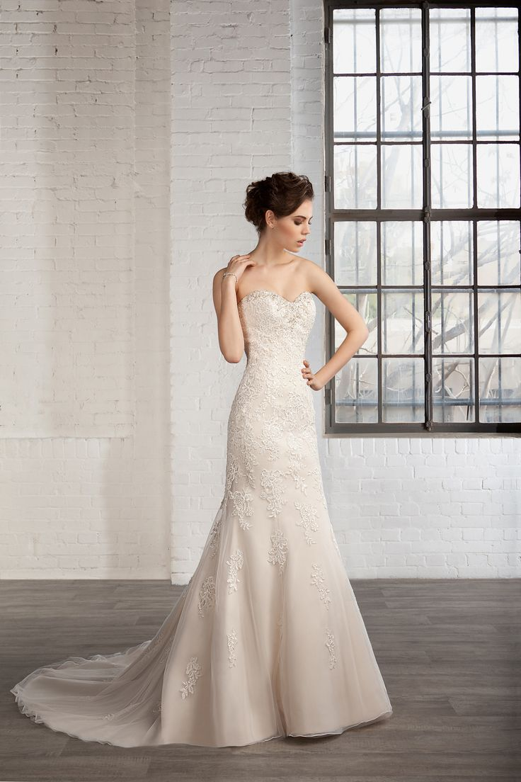Cosmobella Style 7801: Cosmobella 2016 bridal collection : https://www.itakeyou.co.uk/wedding/cosmobella-wedding-dress-2016 #weddingdress #weddingdresses