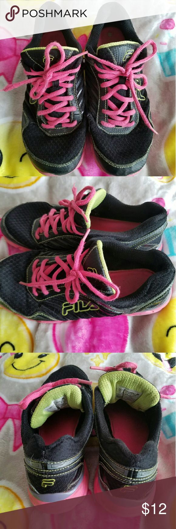 FILA GIRL'S/WOMEN'S ATHLETIC SHOES FILA GIRL'S/WOMEN'S ATHLETIC SHOES.  NON SMOKING HOME. Green, pink and black. FILA Shoes Sneakers