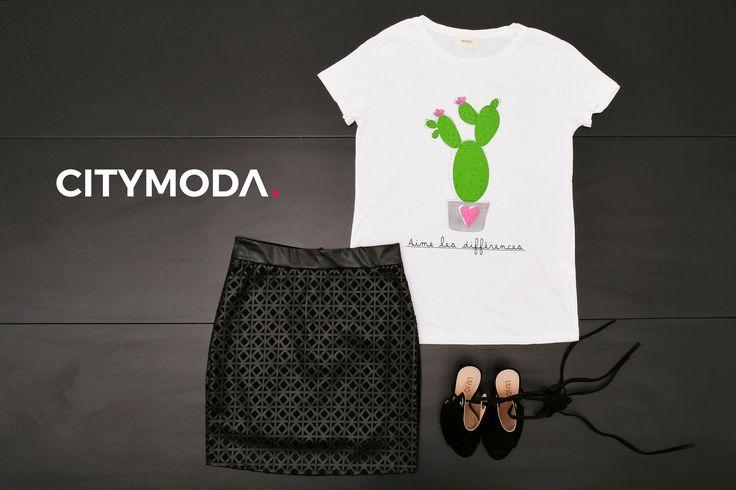 Ami le differenze? Scegli uno stile #blackandwhite. Abbina la #tshirt Vicolo alla #minigonna Imperfect ed alla scarpa Liu Jo.