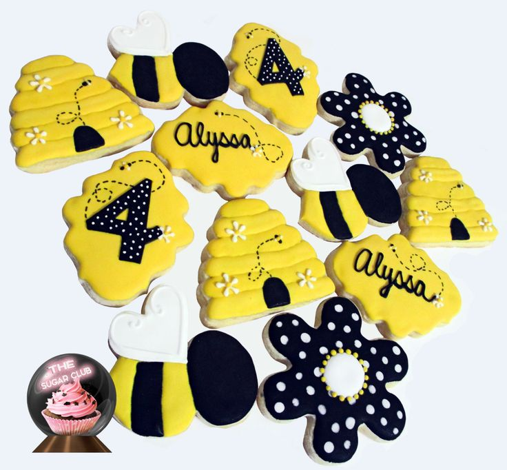 Bumble Bee Cookie, Bumble Bee Birthday, Bumble Bee Party, Bee Theme, Bee Party Favor, Bumble Bee Shower, Bumble Bee Theme, Bumblebee Birthda by TheSugarClub on Etsy https://www.etsy.com/listing/476952651/bumble-bee-cookie-bumble-bee-birthday