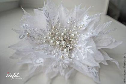 """Свадебные украшения ручной работы. Ярмарка Мастеров - ручная работа. Купить Цветок из шелка """"Белые узоры"""". Handmade."""