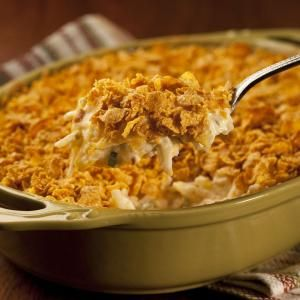 how to make cheesy potatoes with corn flakes