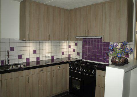 10x10 keukenachterwand tegeltjes met lila accent (13) Tegelhuys ...