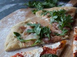 Laura's White Pizza with Prosciutto and Arugula : Simply Laura