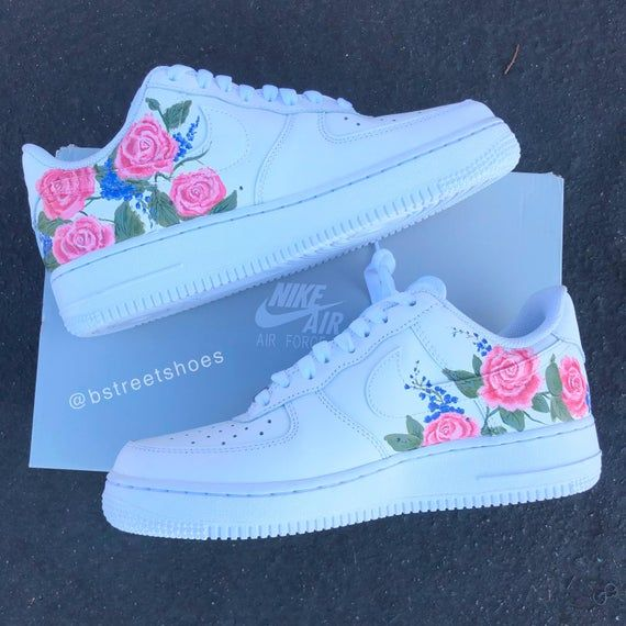 Golpe fuerte carpeta biblioteca  Pink Wedding Rose Air Force 1s | White nike shoes, Trendy shoes, Hype shoes