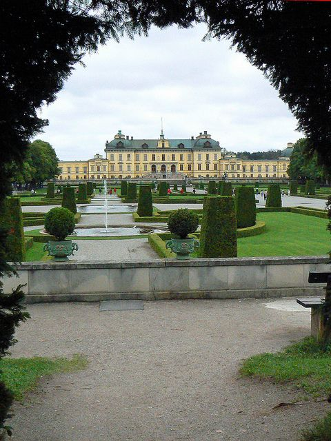 Drottningholm Royal Palace, the private residence of the Swedish royal family (by Phil Masters).