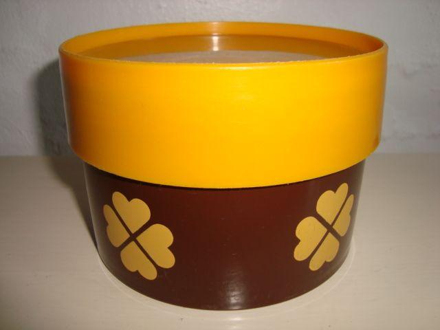 Erik Kold Plast Danish design retro tin from the 60s and 70s. #Erik #Kold #plastic #tin #60s #70s #plast #plastik #daase #Danish #design #retro #kitchenware