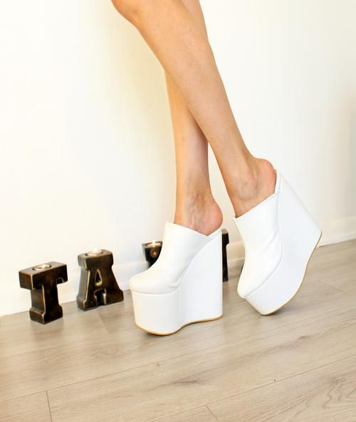 93bac1a0dc7fe2 Sabo White 16-17 cm High Heel Platform Wedge Mules