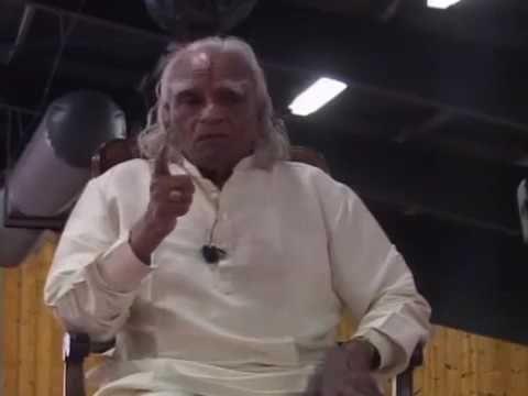 BKS Iyengar - Pranayama meditation, iyengar yoga style - YouTube