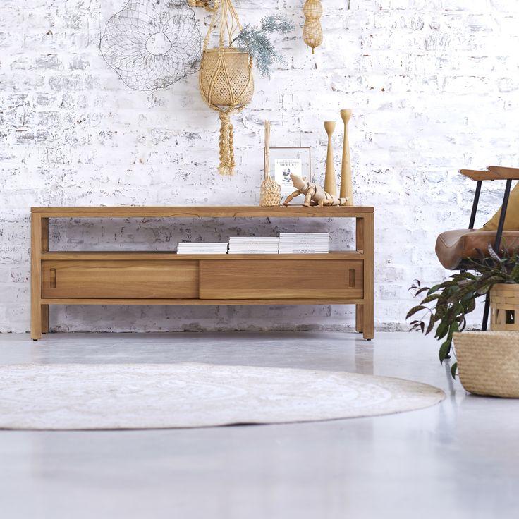 Ce meuble tv anton 130 est fabriqué en teck brut equipé dune niche