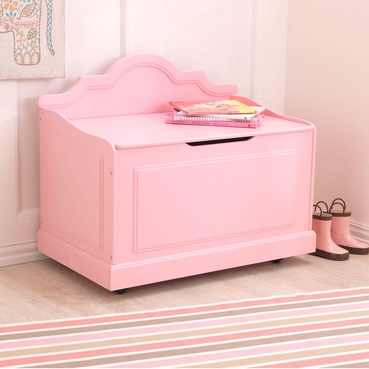 The Kidkraft Raleigh Toy Box is an elegant furniturepiece that will look great in any young boy or girl's bedroom The convenient casters mean parents can easily move it from room to room Available in