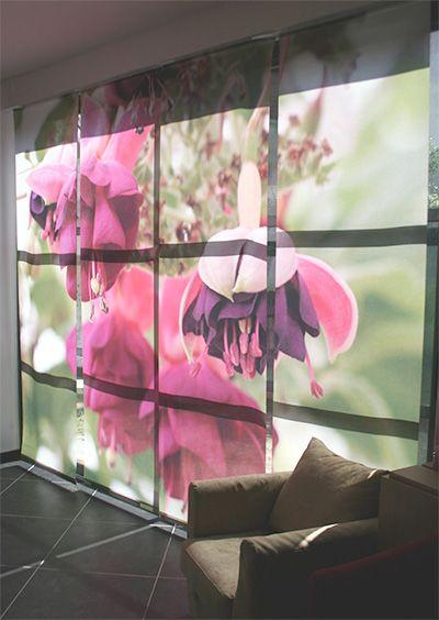 Panneaux japonais imprimés sur mesure, alliant luxe et fonctionnalité. En plus de pouvoir choisir votre motif vous pouvez également choisir la fonction que vous souhaitez donner au voilage; en rideau, sous la forme de panneaux japonais ou de store enrouleur, en cache dressing ou en cloison de séparation à fin d'aménager votre espace. Ces voilages faits sur mesure grâce à la technologie de l'impression numérique, transforment les fenêtres et baies vitrées, en paysage zen.