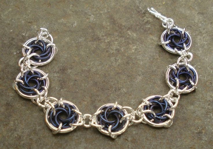 Celtic Circle Bracelet - Gallery - Maillers Worldwide