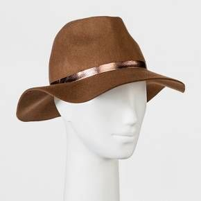 No matter where you're heading — brunch with the girls or date night out — let the Rancher Hat from A New Day™ bring the perfect stylish twist to your outfit. This light brown floppy hat keeps a more structured base, while rose gold band adds the perfect shiny accent. Keep this hat as a go-to accessory whether you're keeping casual in shorts and an off-the-shoulder top or you're dressing things up in a shift dress.