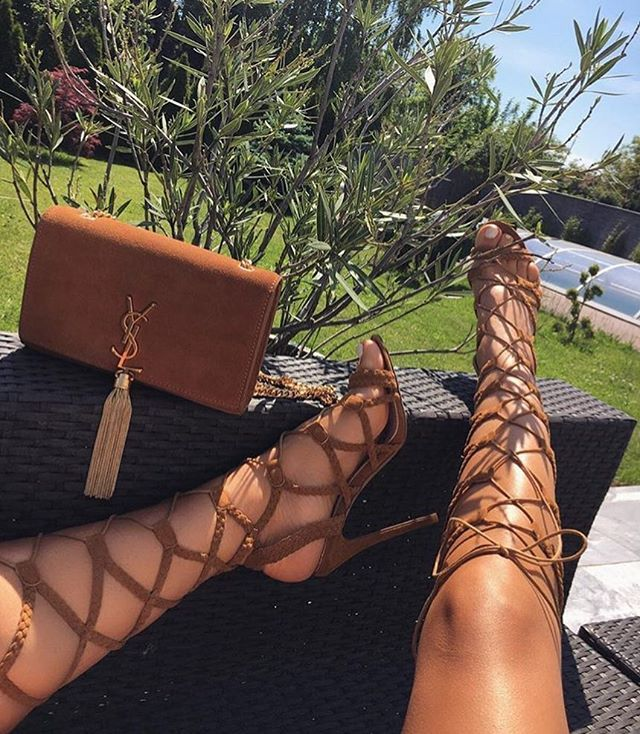 Why not ? Les sandales #simmishoes montantes.