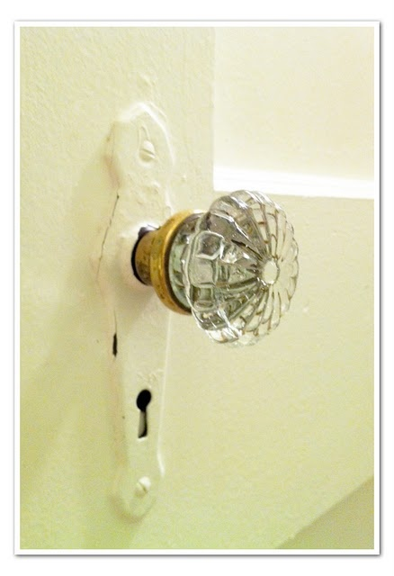 Every doorknob in my old 1920s house (two houses ago) was like this, and I miss them.