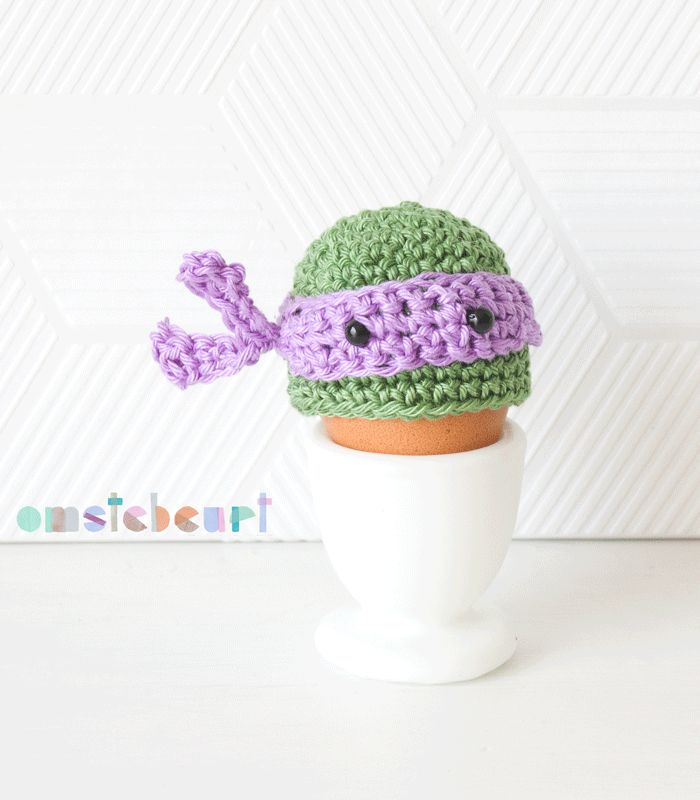Teenage Mutant Ninja Turtle Egg Cozy - omstebeurt #crochet #easter #eggwarmer
