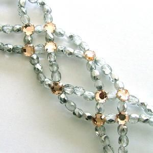 Bead weaving - make as a bracelet. I have so many of these beads. I LOVE this and can't wait to try it.
