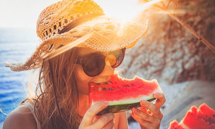 Zo kies je altijd een rijpe watermeloen - Libelle Daily  + SNIJDEN VAN WATERMELOEN