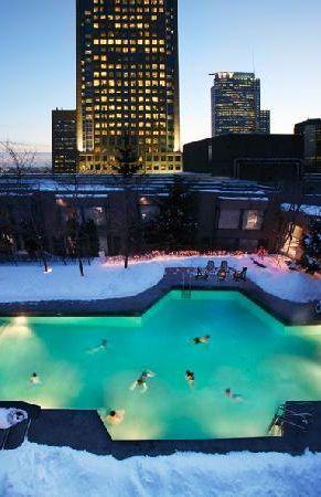 HIlton #Montreal Bonaventure http://www.tourisme-montreal.org/Downtown-Montreal-Hotels/Hilton-Montreal-Bonaventure