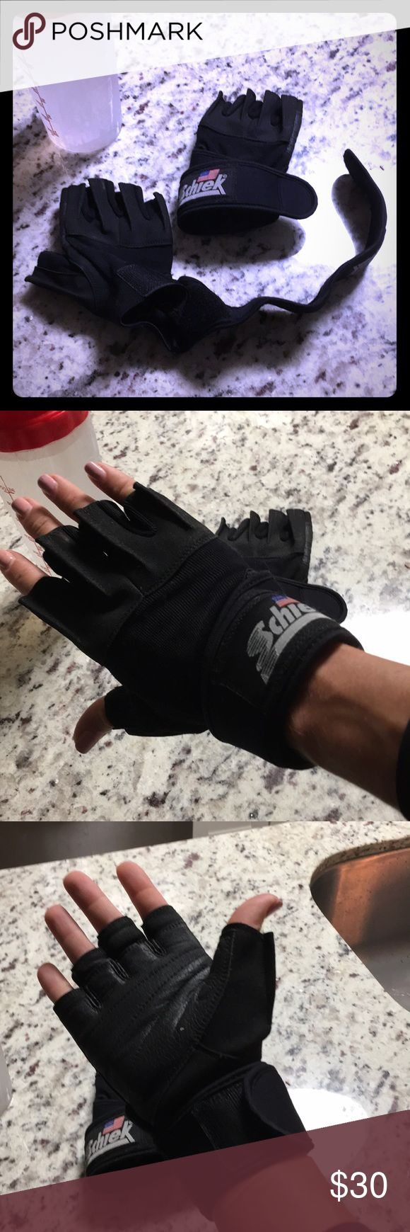 Schiek 🇺🇸 Weight Lifting Gloves Wrist Wrap • S Schiek weight lifting gloves with Velcro wrist straps. Purchased and never used. Schiek Accessories Gloves & Mittens