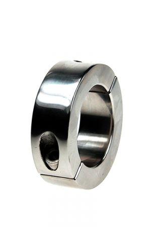 Ball Stretcher Acier 263 grammes Caractéristiques : - Etirement des bourses - Matière : acier inoxydable lisse - Epaisseur du cylindre : 10 mm - Hauteur du cylindre : 56 mm - Diamètre intérieur du cylindre :     • Taille S : 35 mm     • Taille L : 40 mm - Fourni avec une clé à alenn - Poids : 263 grammes