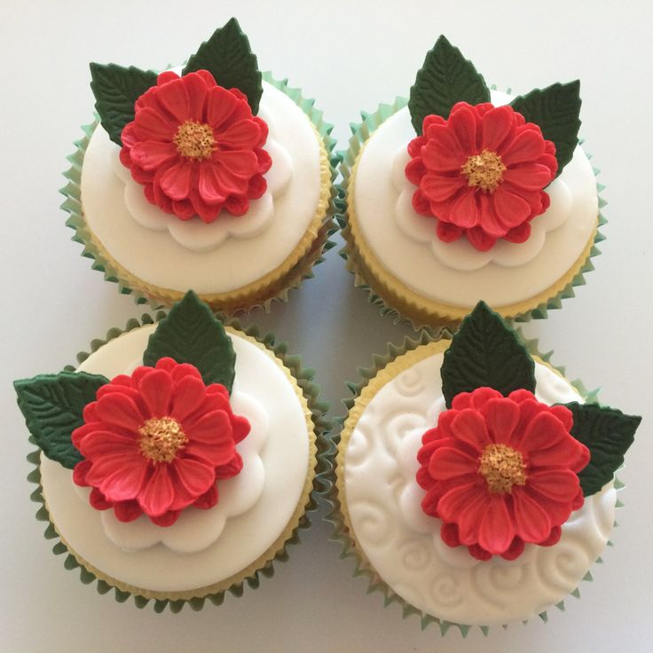 Christmas Cake Decorations Flowers: 17 Best Ideas About Sugar Paste Flowers On Pinterest