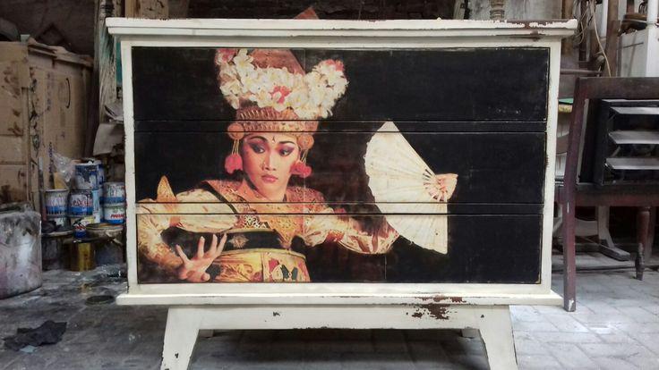 antique Balinese women image