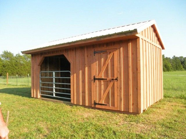 Best 25 small horse barns ideas on pinterest horse for Farm shed ideas